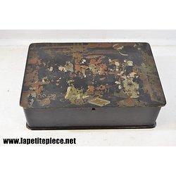 Boite Napoléon 3 en carton bouillit, décor asiatique