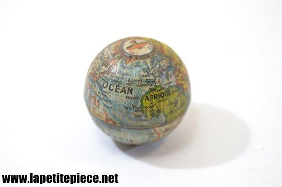 Taille-crayon en forme de planète TERRE