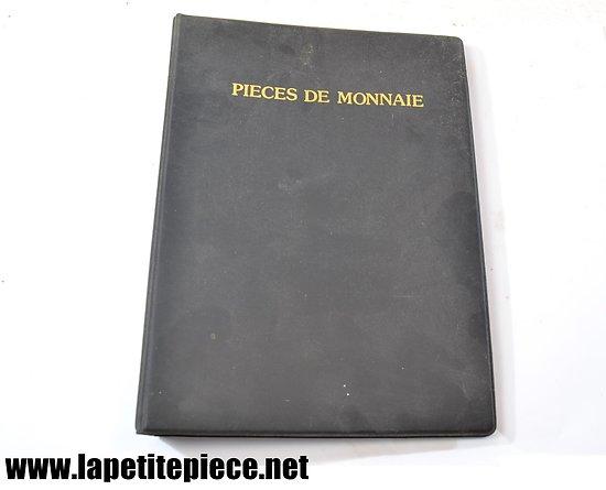 Album de pièces de monnaies avec quelques Francs