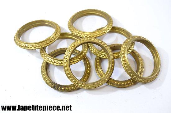 Lot de 8 anneaux pour tringle à rideau fin 19e - début 20e Siècle