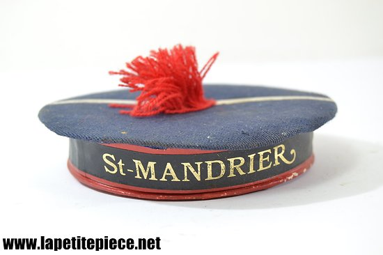Boite en forme de bachi de marin, souvenir de Saint Mandrier