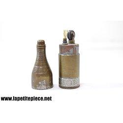 Briquet bouteille de champagne avec taxe fiscale, début 20e Siècle