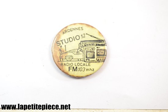 Badge Ardennes Studio 12, radio locale FM 103