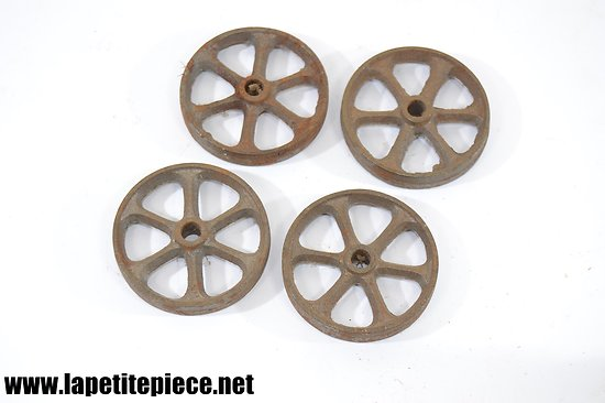 Lot 4 roues en fonte, jouet, bricolage  ou déco industrielle