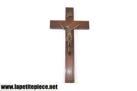 Crucifix Jesus Christ début - milieu 20e Siècle