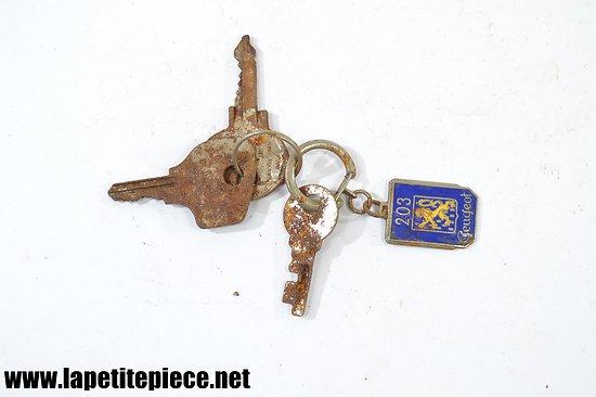 Porte-clés Peugeot 203 émaillé ROBRI