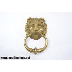 Poignée heurtoir de porte en laiton, tête de lion