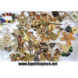 Lot de bijoux incomplet, perles, fermoires. Idéal bricolage