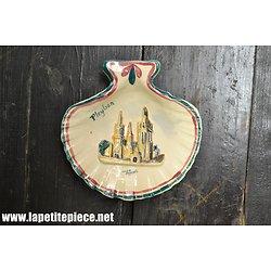 Coquille Saint Jacques poterie Pleyben Finistère Bretagne