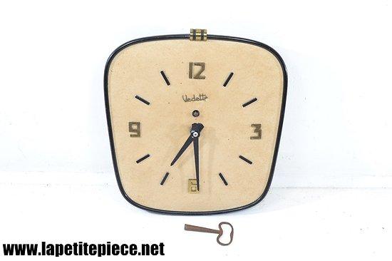 Horloge murale mécanique VEDETTE, années 1950 1960.