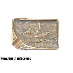 Cendrier en bronze / laiton, navire paquebot