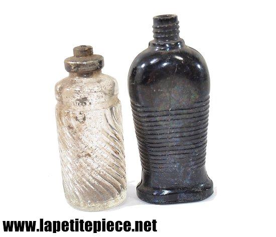 Lot de deux flacons de parfum années 1930. Lalique 1 oz Bottle made in France