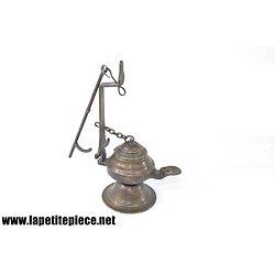 Lampe à huile en bronze, style Romain / Antiquité
