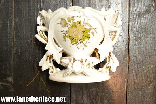 Vase de mariée en porcelaine, fin 19e - début 20e Siècle - CF 174