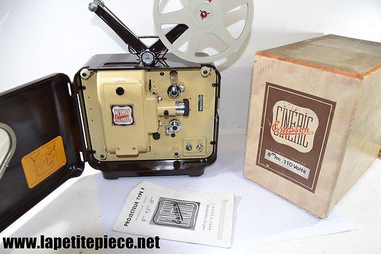 Projecteur Cineric Ericsson 8mm / 110V Bakélite