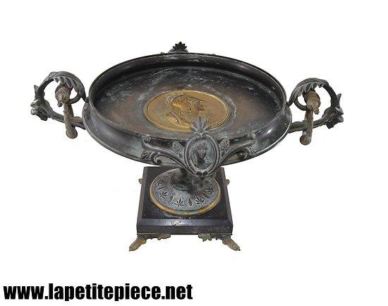 Coupe en bronze Maison Alphonse GIROUX Paris, successeur Fernand Duvinage