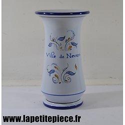 Vase Ville de Nevers signé C. Bernard et S. Lucet