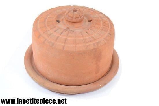 Cloche de beurrier Français en terre cuite