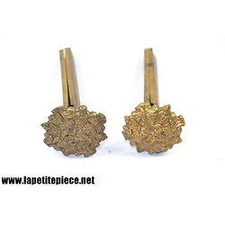Rosaces / caches pour support de rideau 19e Siècle