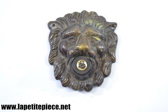 Sonnette (bouton) tête de lion. Années 1950
