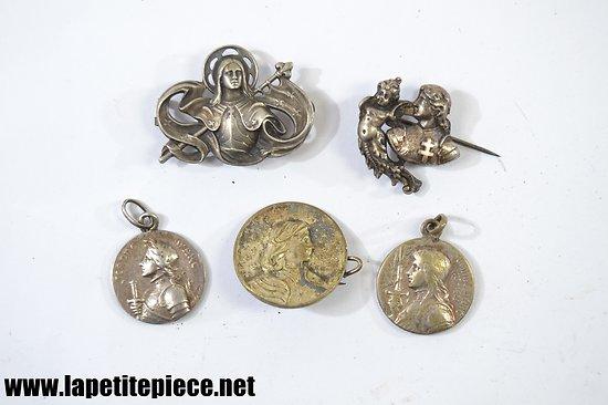 Lot x 5 broche / médaille Jeanne d'Arc, fin 19e - début 20e Siècle