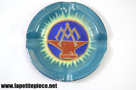 Cendrier avec logo ferronnier, enclume et initiales M A
