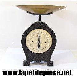 Balance mécanique de style ancien. LAICA 5kg