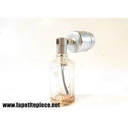 Bouteille de parfum en cristal avec vaporisateur AMIA. Années 1930 - 1950
