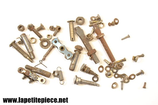 Lot vissserie + valves embouts chambre à air