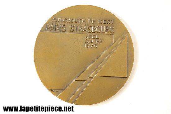 Médaille de table Autoroute de l'Est PARIS STRASBOURG SANEF 1976