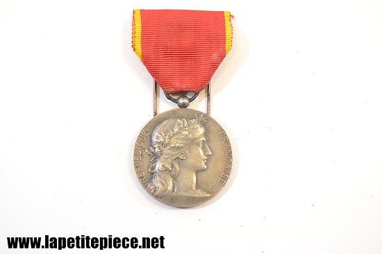 Médaille en argent - Société industrielle de l'Est . DUBOIS
