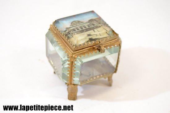 Boite / coffret à bijoux en verre / laiton - VICHY, LE CASINO