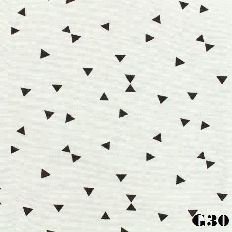 tissu-oeko-tex-polycoton-triangles-noirs-blanc-x-10cm.jpg