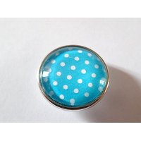 Clip Petits Pois Blancs fond Turquoise