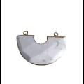 Connecteur demi-lune en pierre d'agate teintée vernie et polie, serti doré 40x27x7mm
