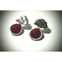 """Boucles d'oreille nuage """"La tête sur mon nuage"""" en plaqué argent et cristal rouge, boucles d'oreille percées"""