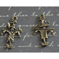 2 breloques épouvantail en métal couleur bronze 15x24mm