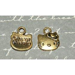 3 breloques dorées tête de chatte enfantine 13x11mm
