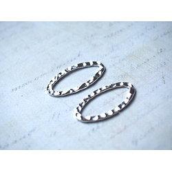 2 anneaux ovales martelés et ouverts en métal argenté 30x17mm