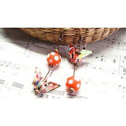 Boucles d'oreille Origami grue en papier et perles à pois