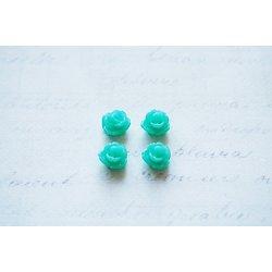 4 petites fleurs en résine vert clair pour bijoux ou scrapbooking 8mm