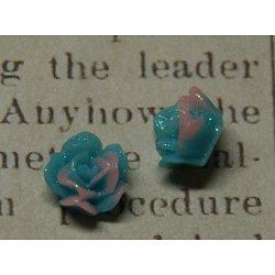 2 appliques fleur mauve et bleu à paillettes PM en résine 11x7mm