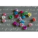 20 perles fleurs légères et multicolores en aluminium 7x5mm