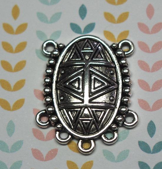 Connecteur ovale ethnique en métal argenté 27x22mm