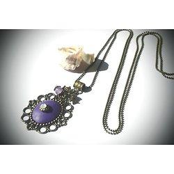 """Sautoir """"Médaillon violet"""", collier long en métal bronze et argile polymère violet avec un strass et une perle en alexandrite"""