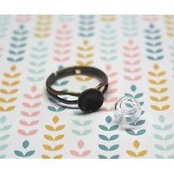 Support de bague en métal couleur bronze et sa mini bulle de verre 8mm