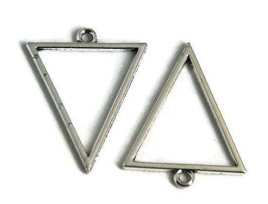 2 breloques triangle évidé en métal argenté 35x27,5mm