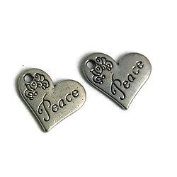 """2 breloques coeur """"Peace"""" et fleurs gravées en métal argenté 20x18mm"""