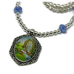 Collier court - Thème Religieux - en métal argenté et cristal de Bohème - Vierge de Lourdes