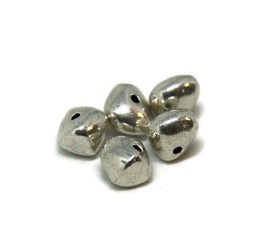 5 perles irrégulières en métal argenté 9x9mm